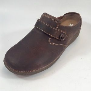 Duluth Trading Brown Leather Clogs